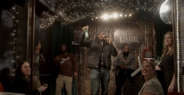 Heineken Challenges Unsuspecting New Yorkers to Sing Karaoke to Thousands of Strangers