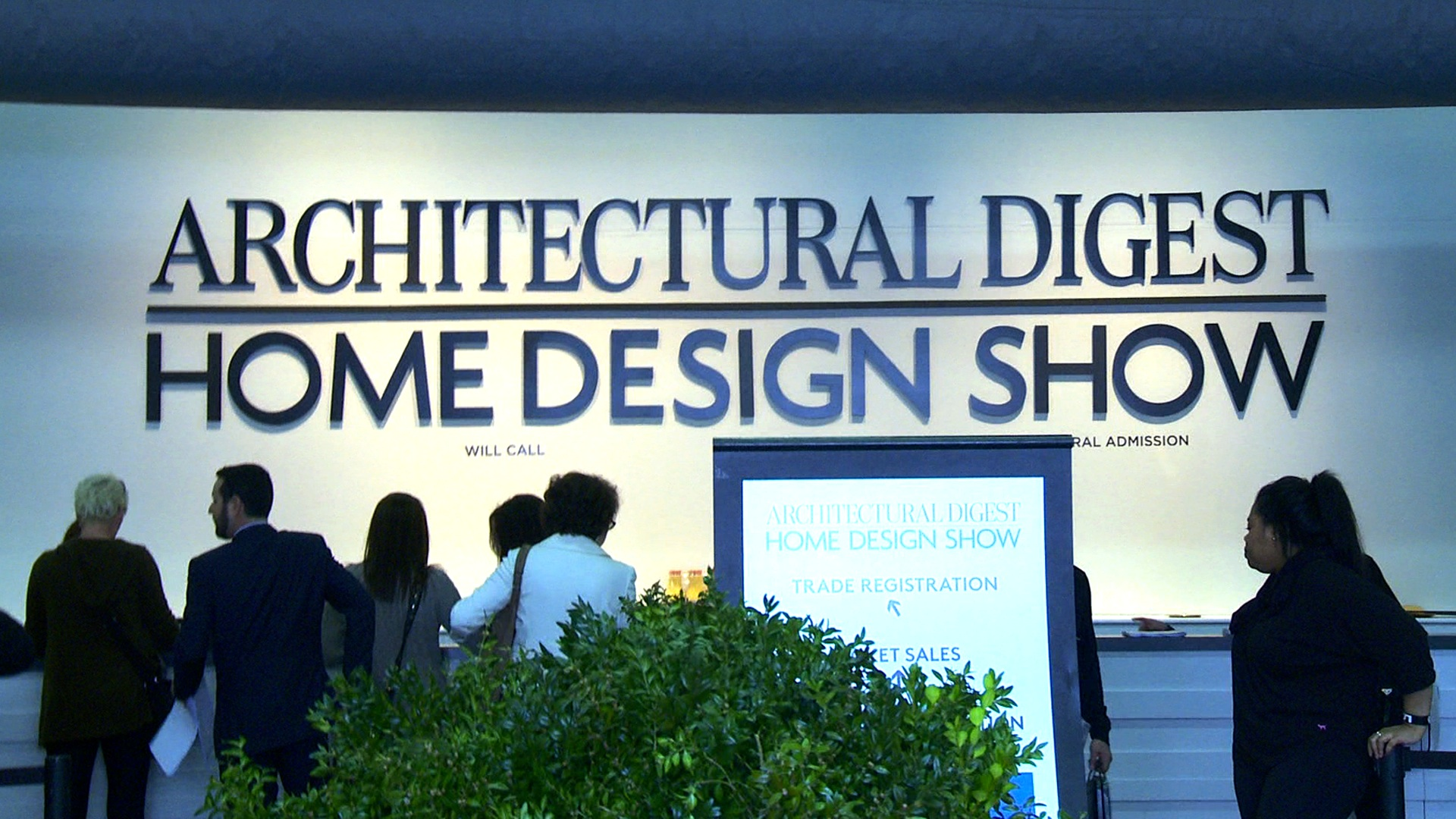 Food network star donatella arpaia visits architectural for Architectural digest show
