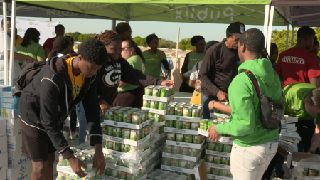 Publix, giving back, donating food, donations, hunger, lifeminute, supermarket, lifeminute, lifeminute.tv