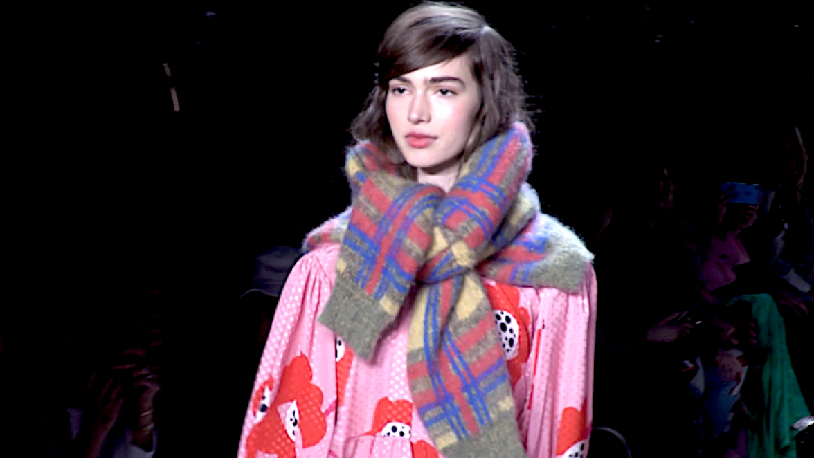 How to Wear Fall's Timeless Fashion Accessory: The Scarf