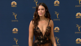 Emmys 2018 Red Carpet Looks Mandy Moore Milo Ventimiglia Emilia Clarke Kristen Bell and More