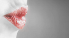 Get the Perfect Pout for International Kissing Day