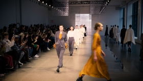 Noon by Noor, nyfw, new york fashion week, fashion, Fall 2020, designers, Shaikha Noor Al Khalifa, Shaikha Haya Al Khalifa, Jamie Chung, Bel Powley, Raveena Aurora, lifeminute, lifeminute.tv