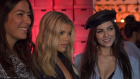 Sofia Richie and Victoria Justice Cheer on Rebecca Minkoff s Salute to Working Women